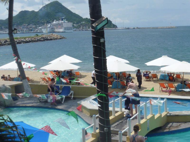 hotel marina puerto dorado manzanillo: